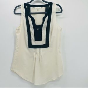 Gorgeous sleeveless blouse SMALL